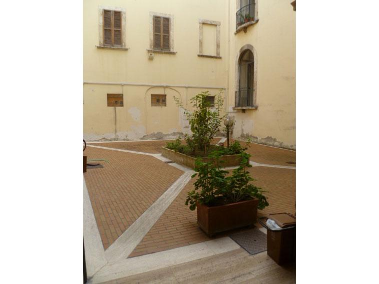 54 affitto appartamento uso ufficio nel centro storico for Affitto appartamento roma uso ufficio